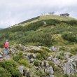 Steinplatte Waidring je jedním z mnoha alpských lyžařských středisek v Rakousku. Lanovka končí ve výšce zhruba 1650 m. Pár tipů, co se zde dá dělat, když není sníh …