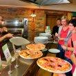Restaurace disponuje pecí na pizzu.